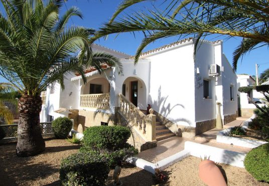 CD230602-Villa-in-Moraira-03