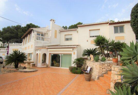 CD265085-Villa-in-Moraira-01